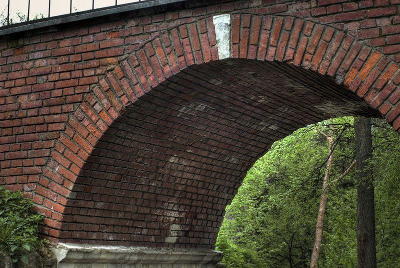 Keystone in an Arch